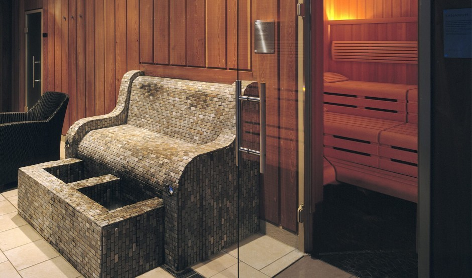 Sauna and foot spa at our New Forest spa