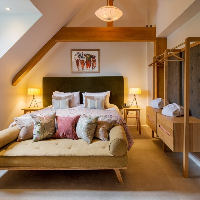 Fallow double bedroom with shower at New Park Manor – a luxury family hotel in the New Forest
