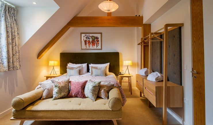 Fallow double room with shower at New Park Manor hotel